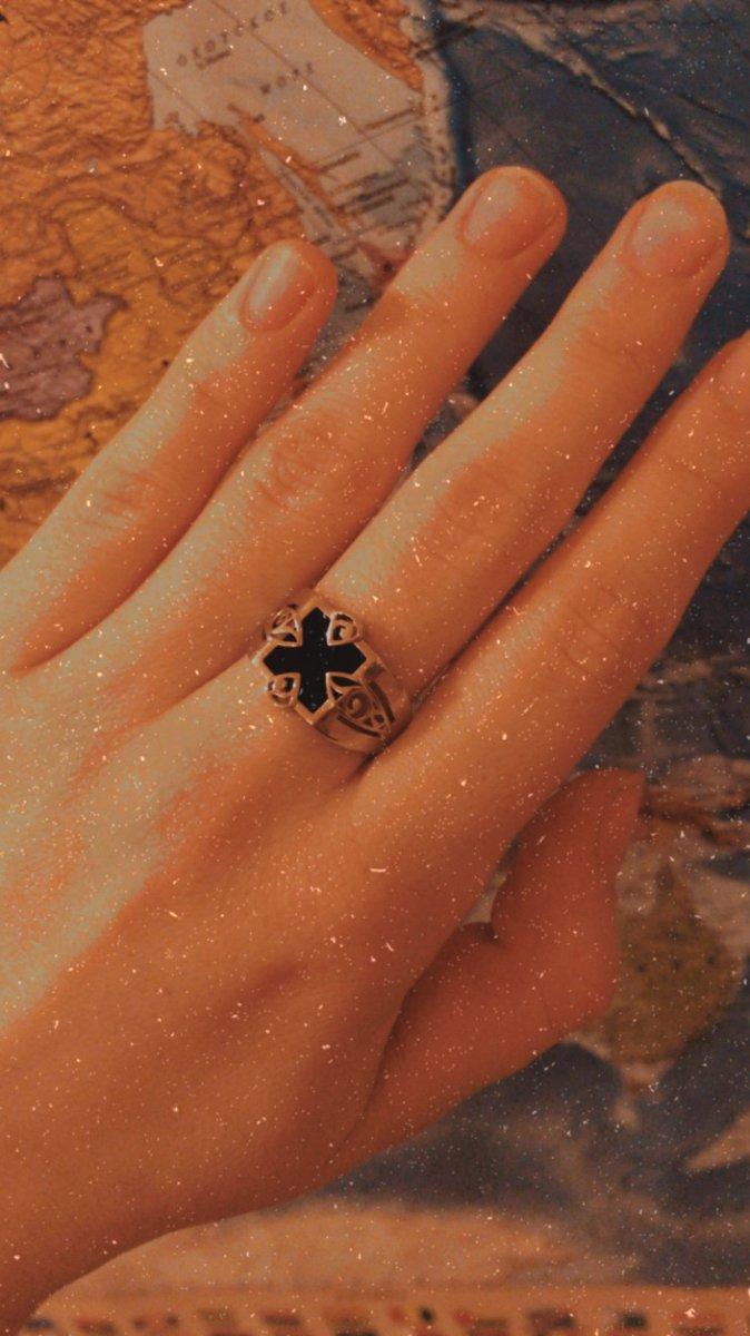 Отличное кольцо, прекрасный подарок!
