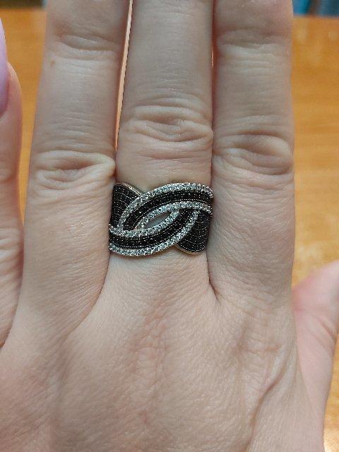 Очень понравилось кольцо,  смотрится стильно