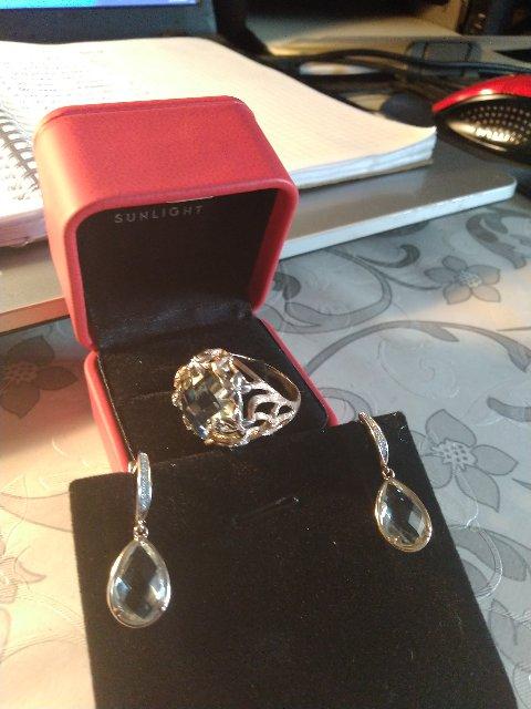 Кольцо с зелёным аметистом и бриллиантами.