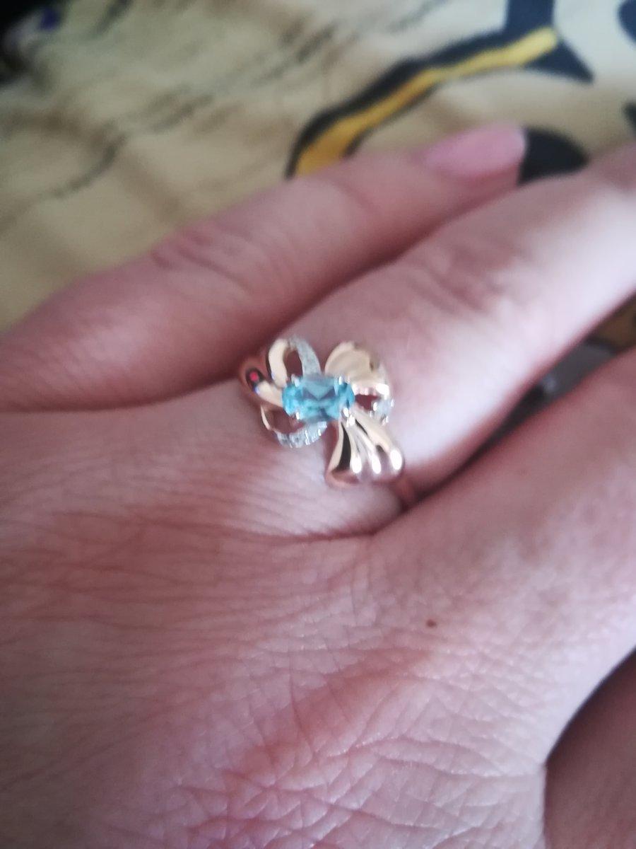 Удивительно классное кольцо. Топаз великолепен.