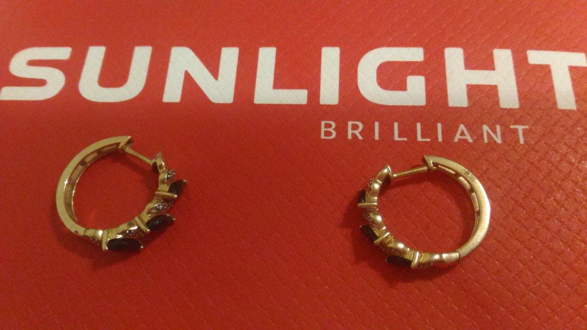 Очень красивые серьги с сапфирами и бриллиантами !!!