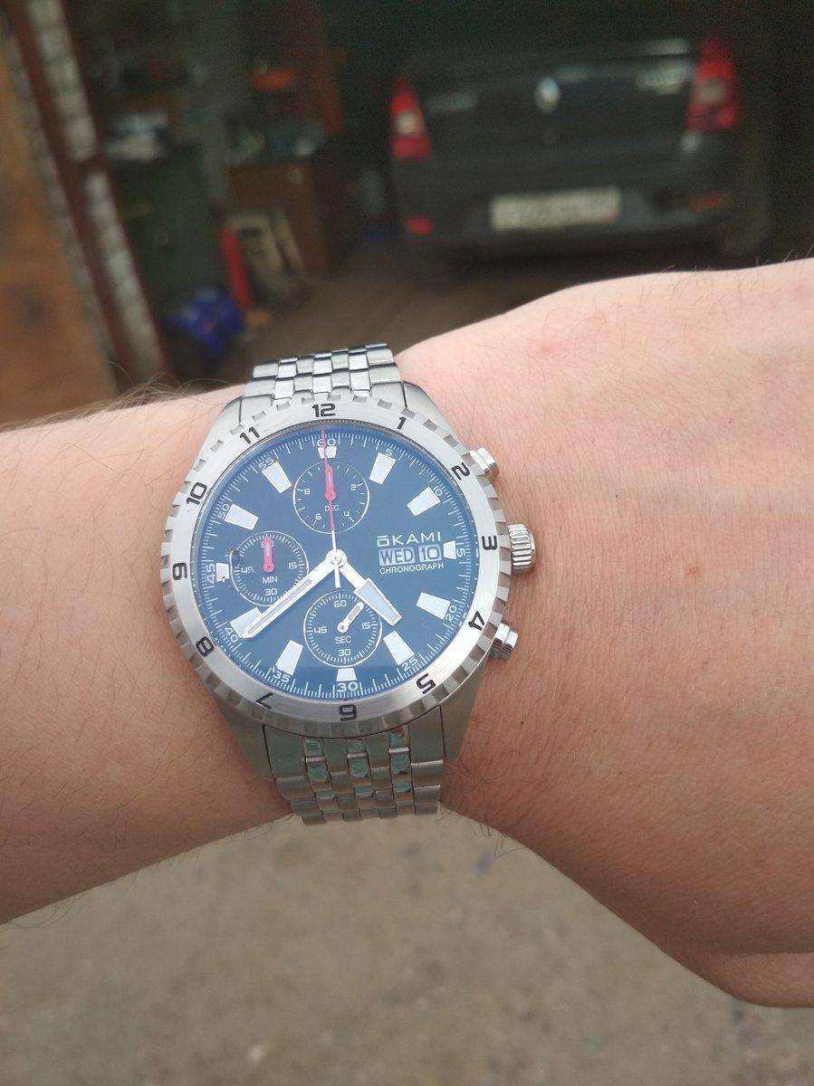 Хорошие часы, хронограф хороший, ходят точно!