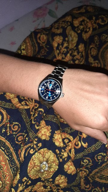 Часы заказала на день рождение мужу. Выглядят достойно красиво,по мужски.