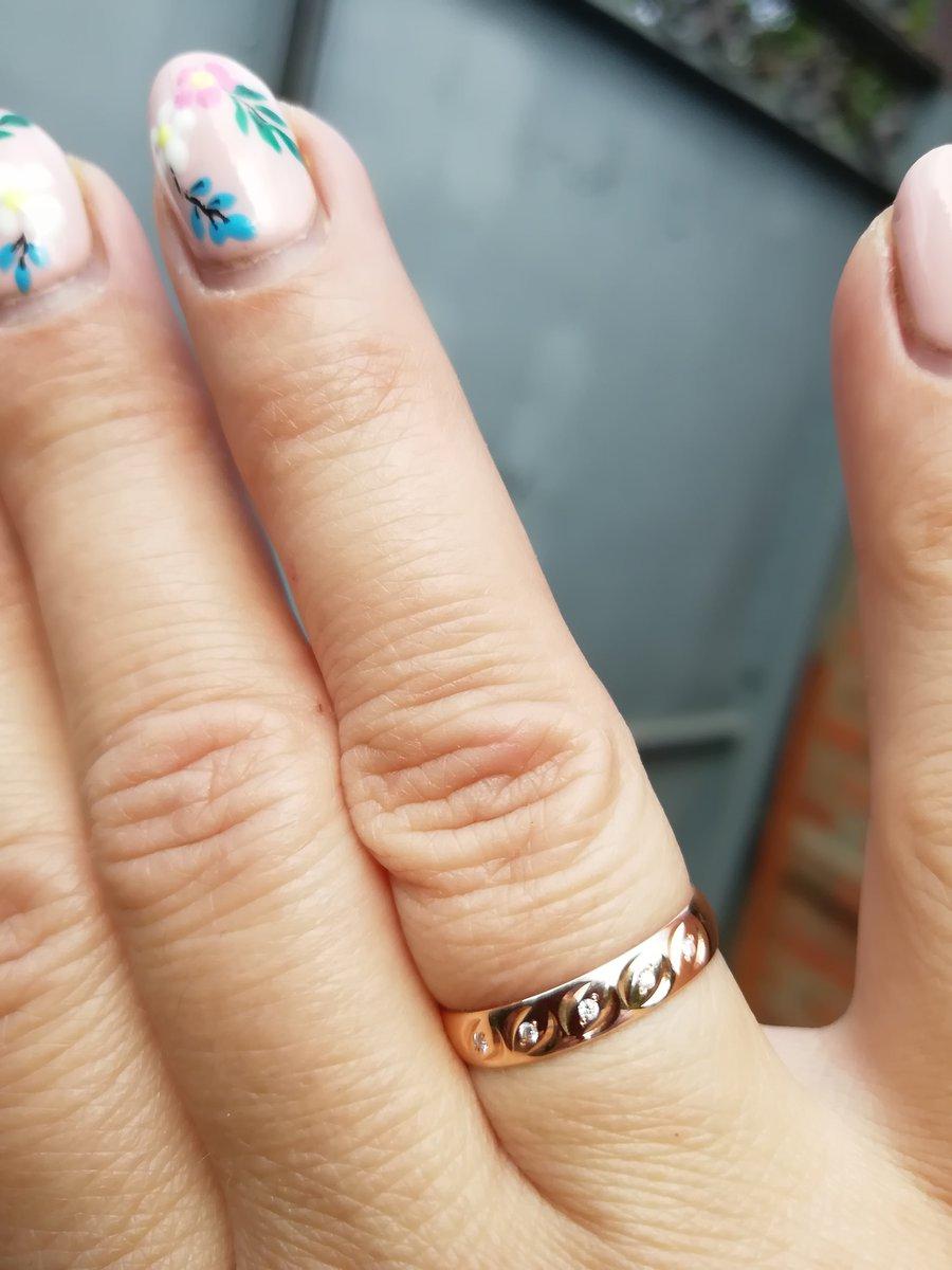 Кольца и серьги золото.
