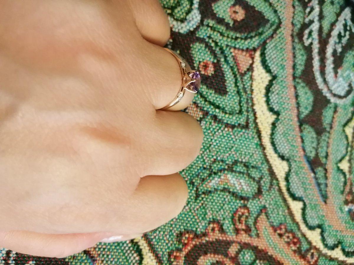 Кольцо с аметистом.