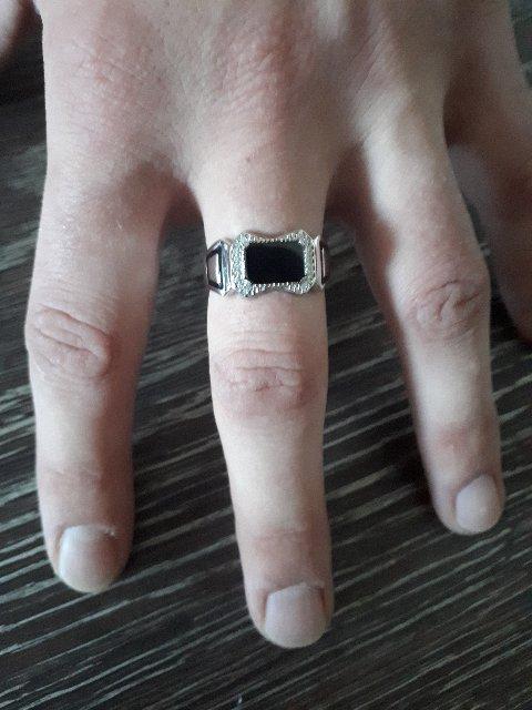 Мужское кольцо серебряное и мужской браслет с кожаным ремешком