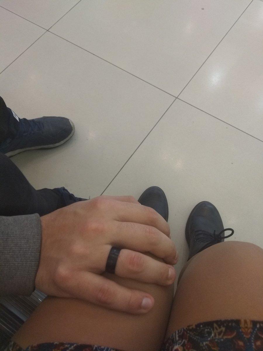 Лучшее кольцо из всех, что приходилось выбирать. Очень красиво смотрится