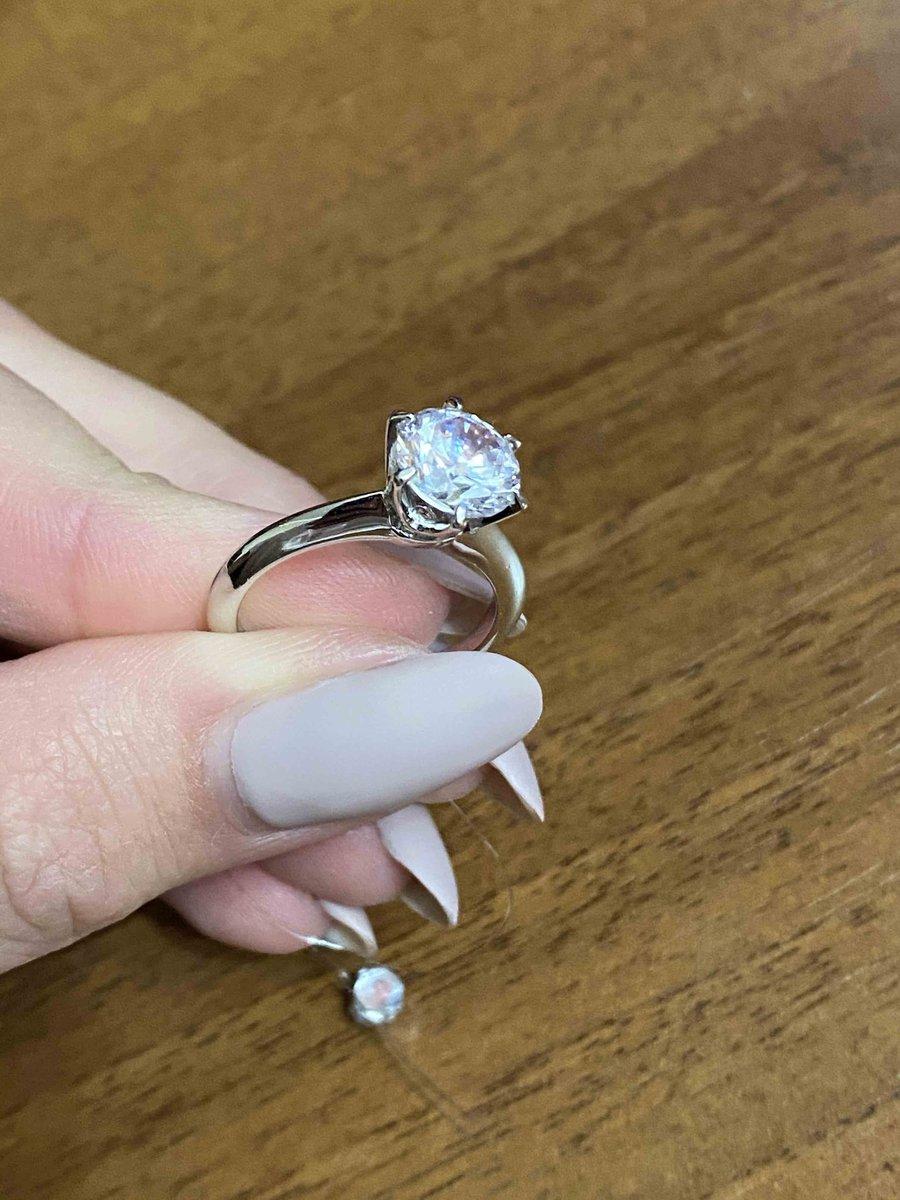 Прекрасное кольцо на выход