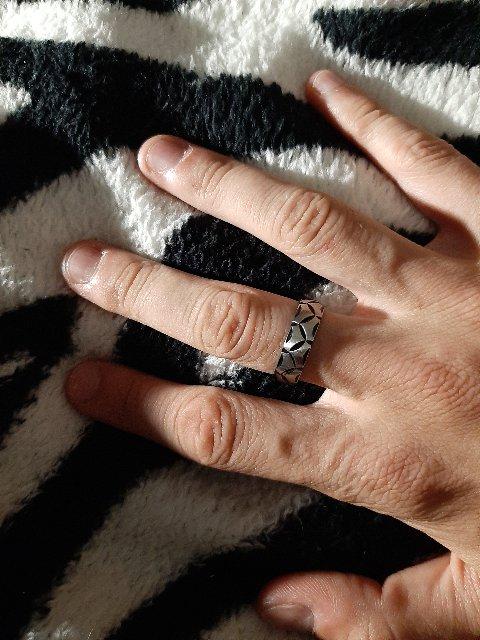 Модное мужское кольцо
