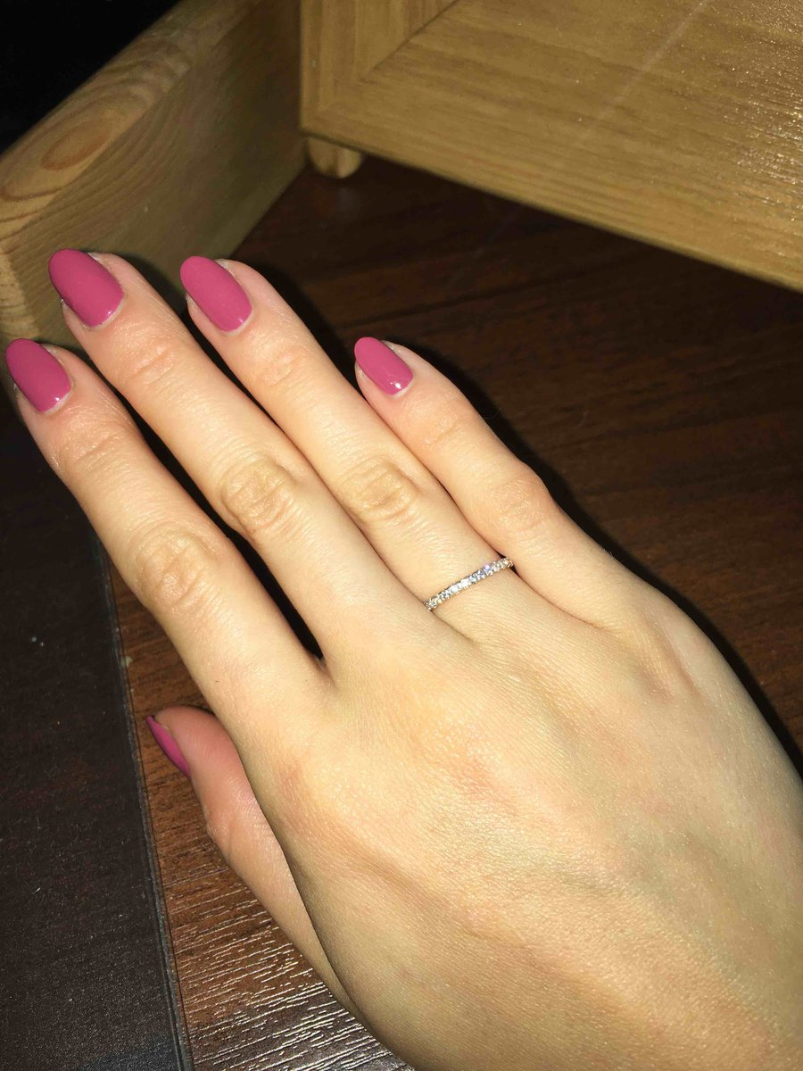 Красивое кольцо без лишних деталей.