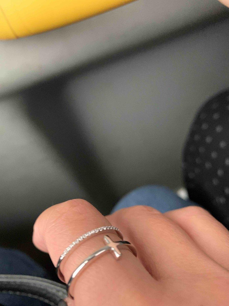Кольцо, котрое полошло моему пальчику