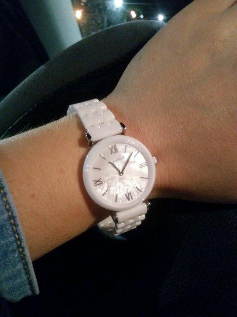 Керамические часы с перламутровым циферблатом