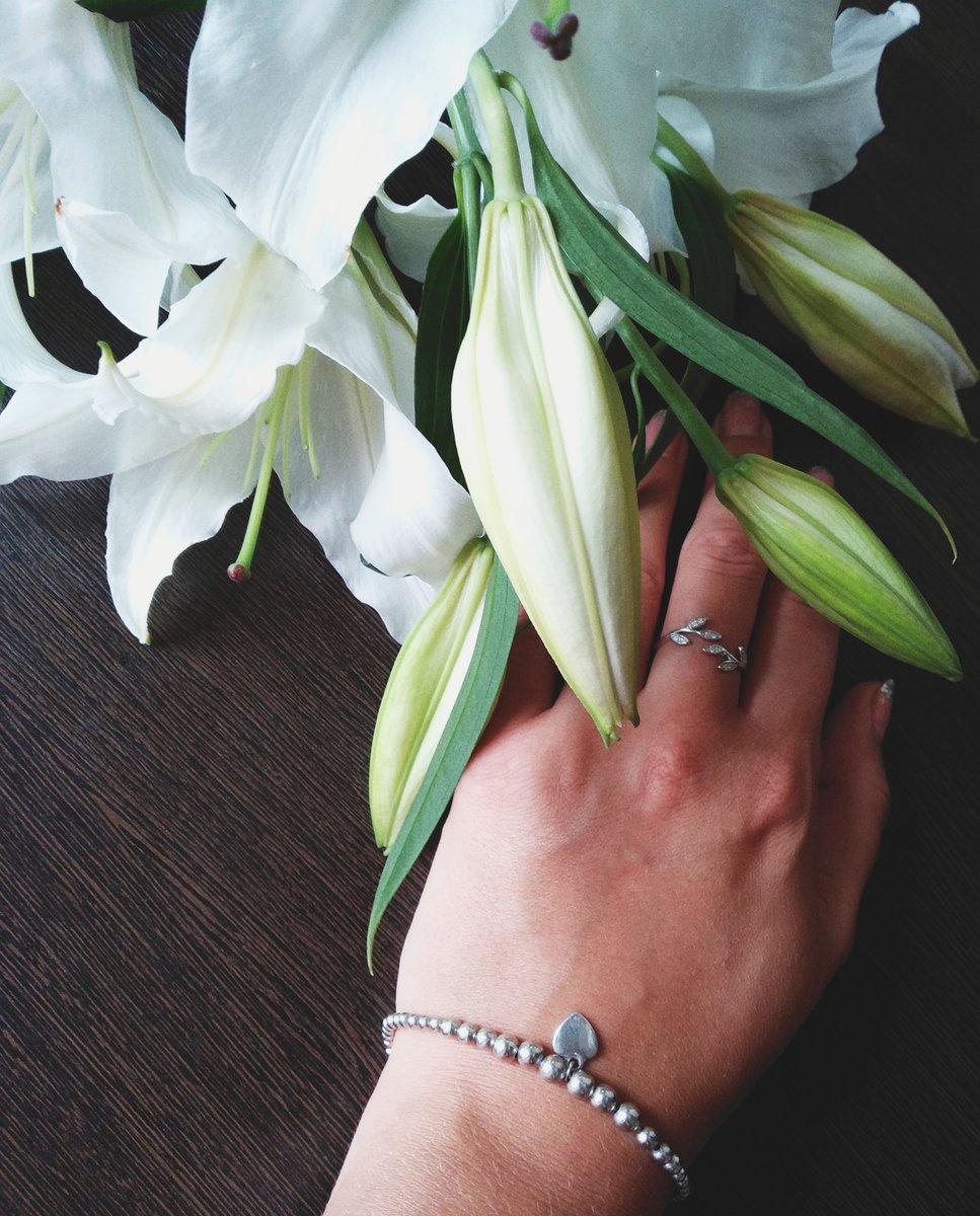 Красивый и лёгкий браслет!