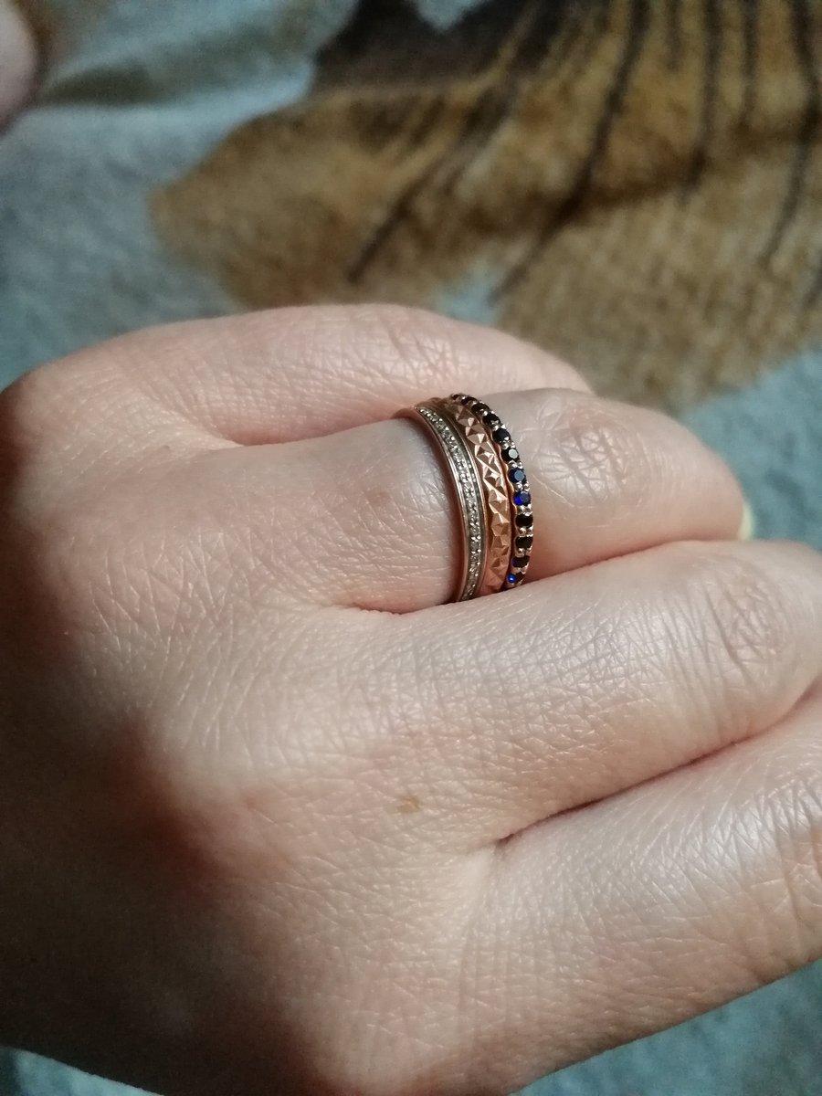 Кольцо-дорожка с сапфирами