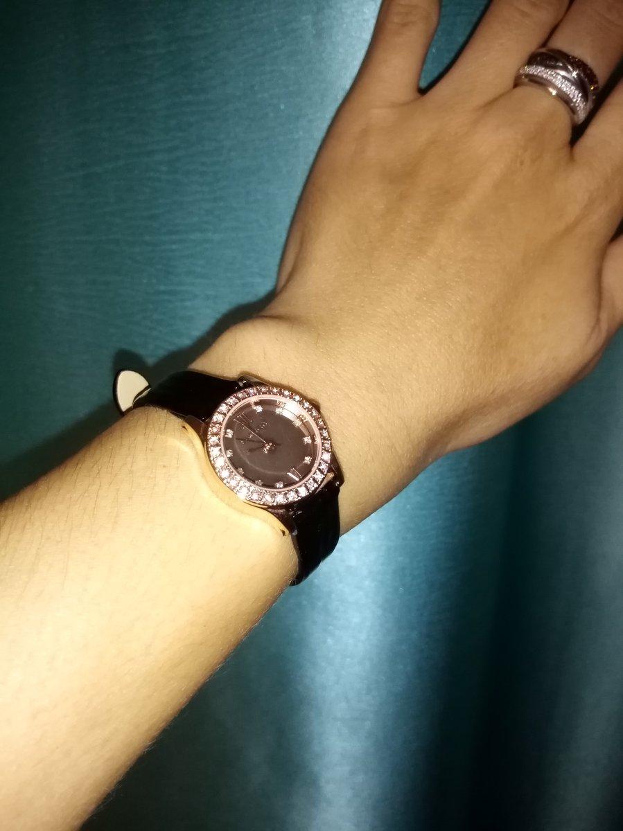 Симпатичные и недорогие часы