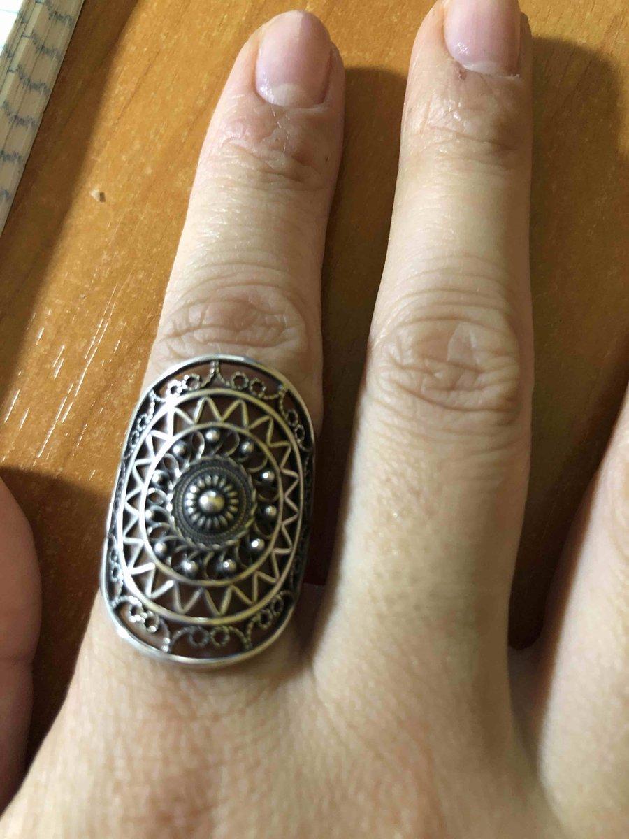 Отличное стильное кольцо! покупала дочери на день рождения, она очень рада!
