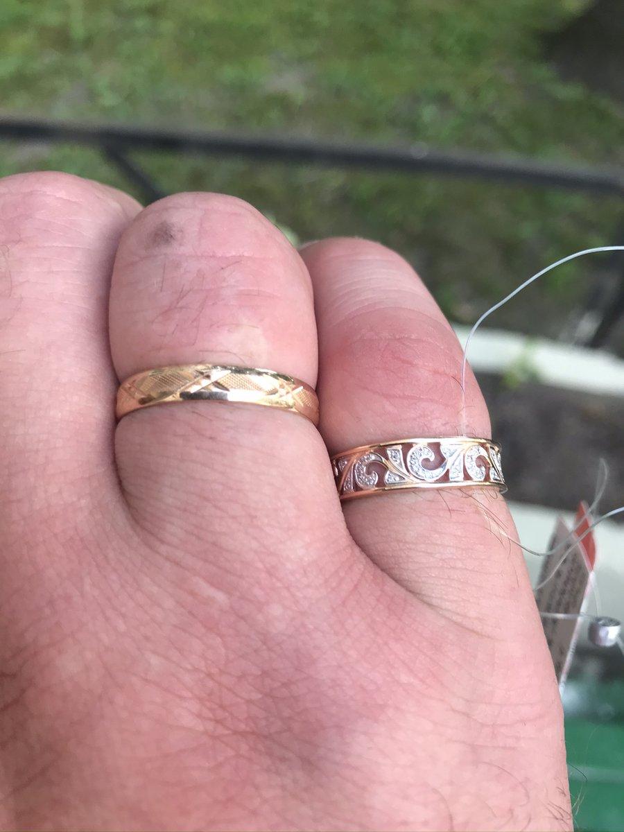 Покупка кольца себе и будущей жене