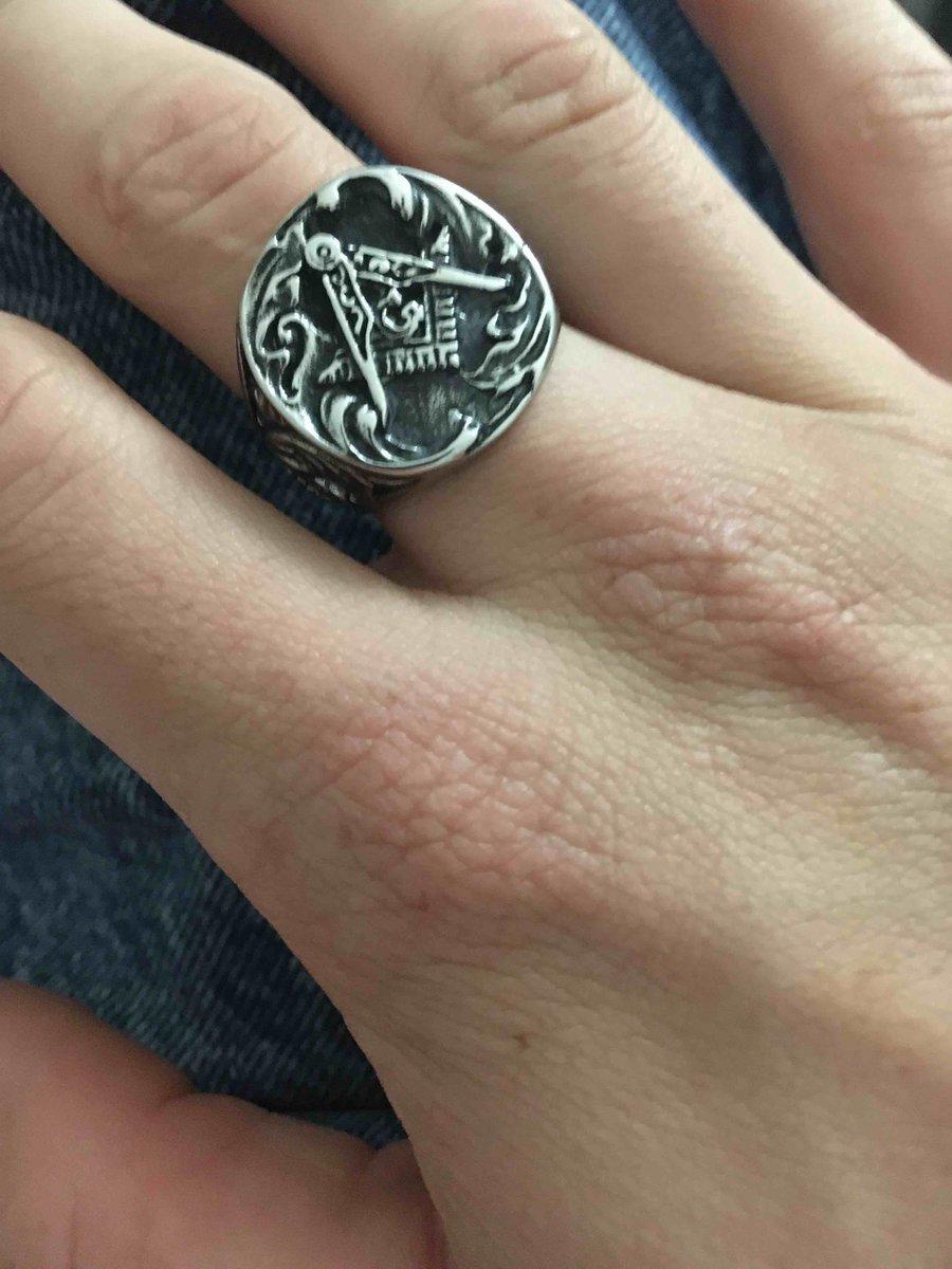 Кольцо купил себе, цена очень низкая