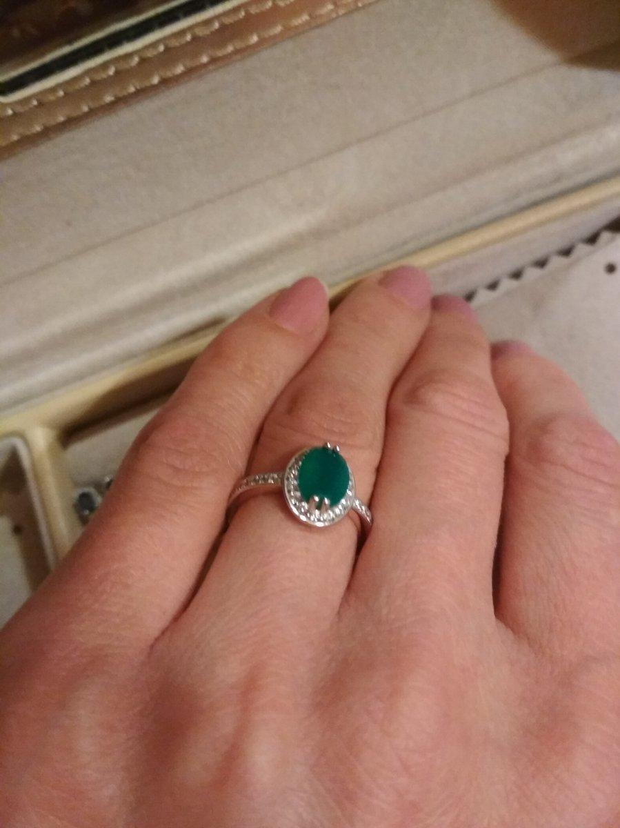 Замечательный перстень с агатом.