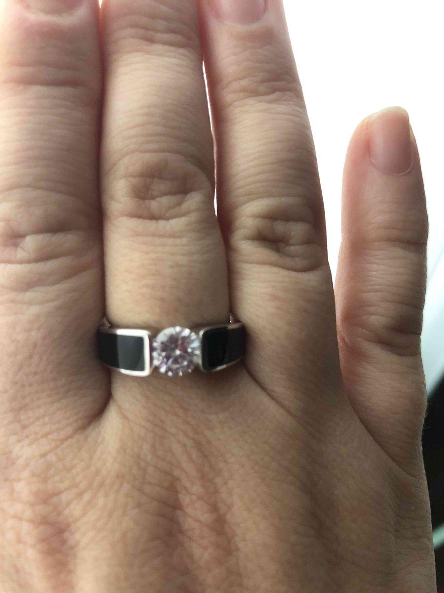 Кольцо с черной эмалью