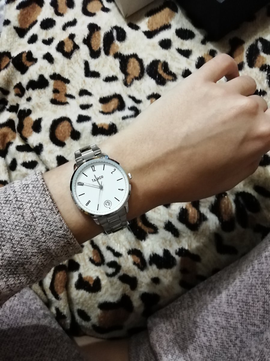 Часы женские, очень аккуратные