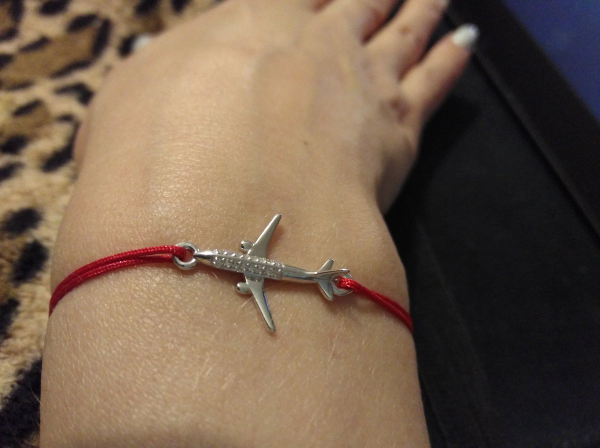 Очень крутой браслет и сам самолёт 👍🔥