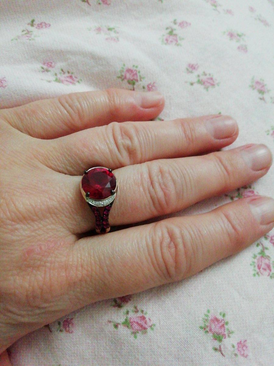Шикарное кольцо с рубинами и бриллиантами 💖