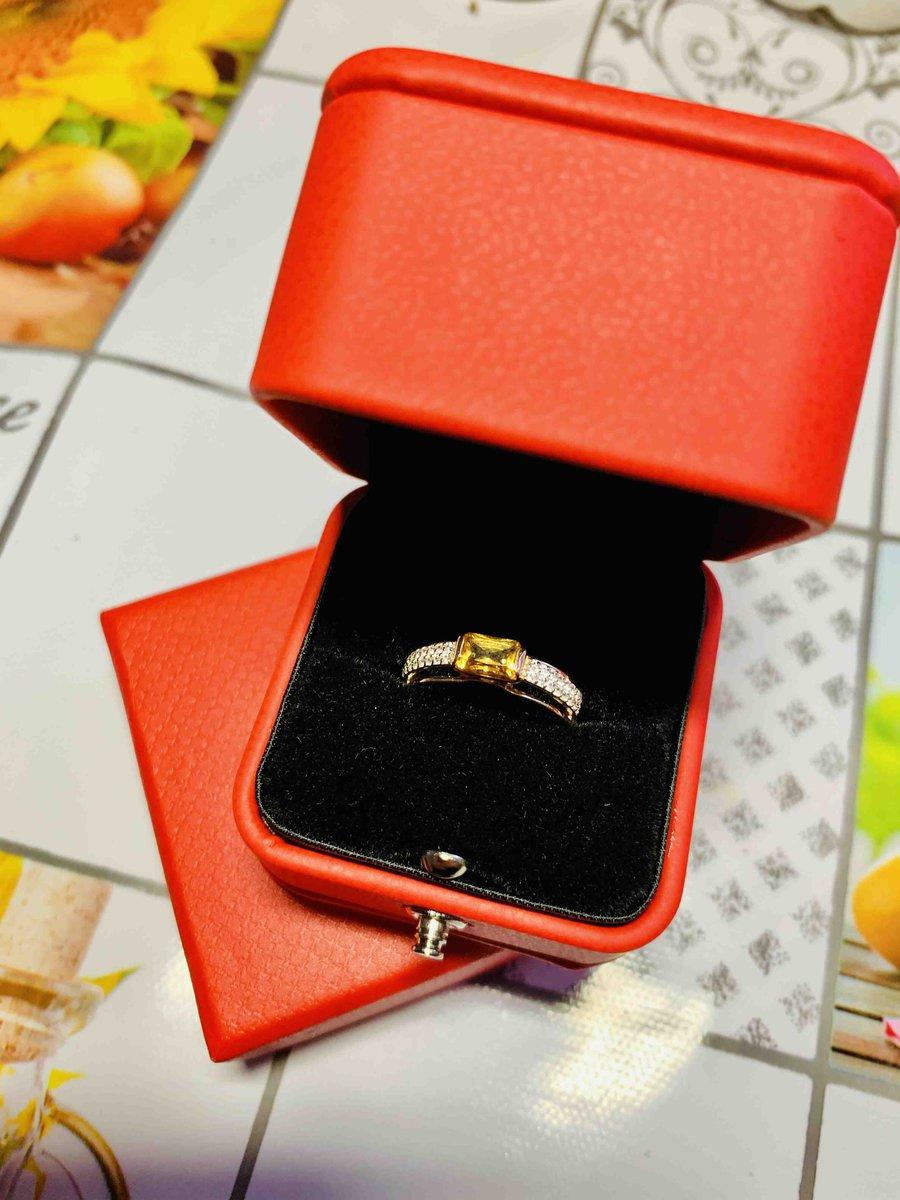 Красивое кольцо с цитрином