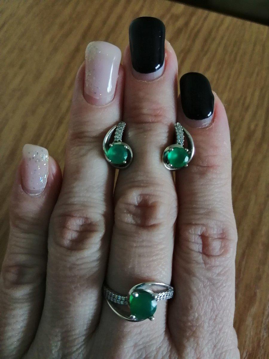 Серебряные серьги с фианитами и агатом