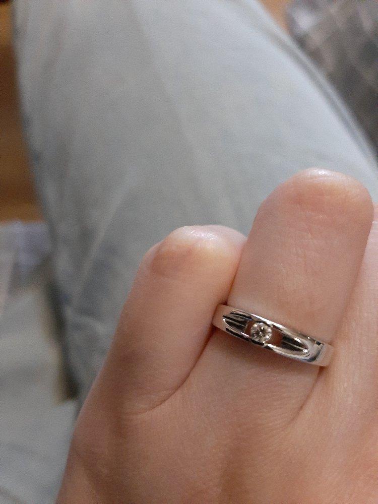 Золотое кольцо ,белое золото с бриллиантом!