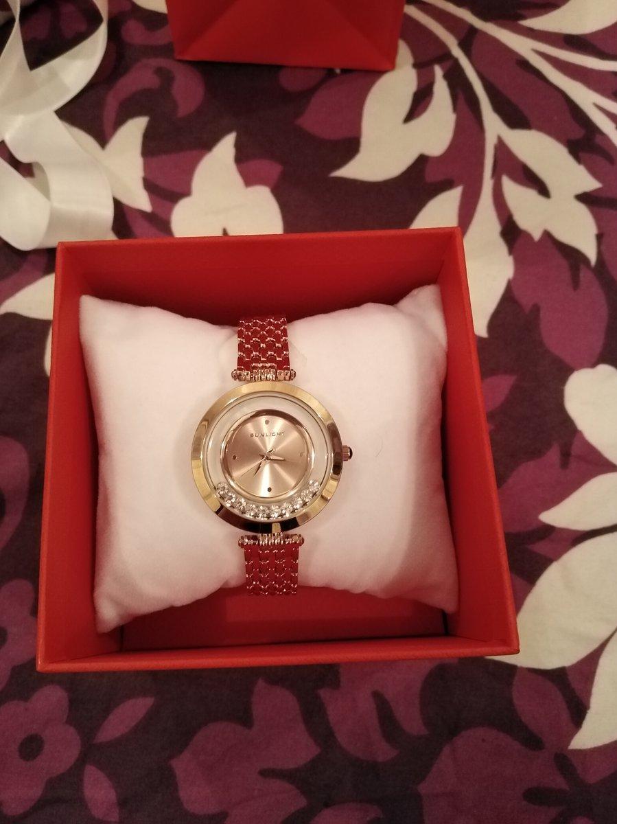 Очень красивые часы по приятной цене