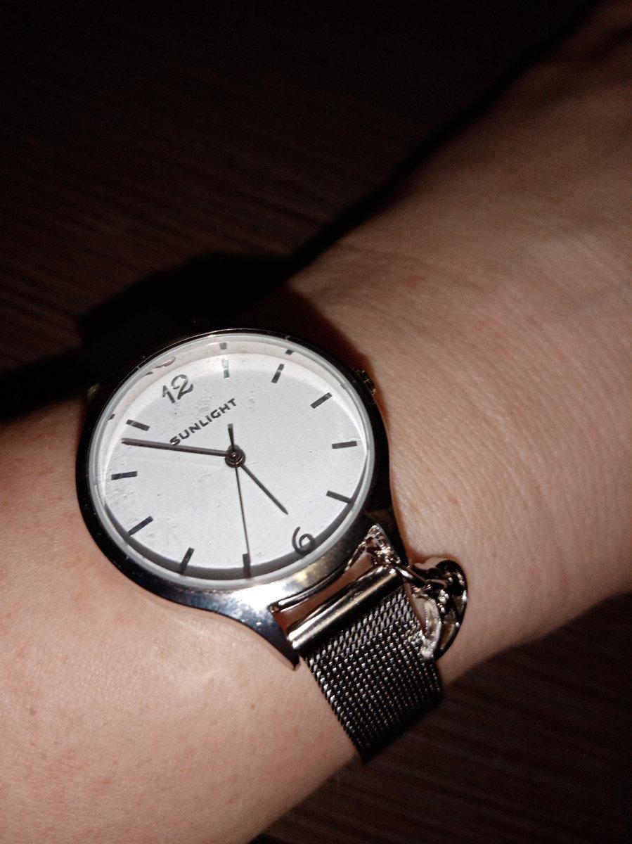 Давно хотела часы такого вида.в приложении выбрала,в магазине купила.спасиб