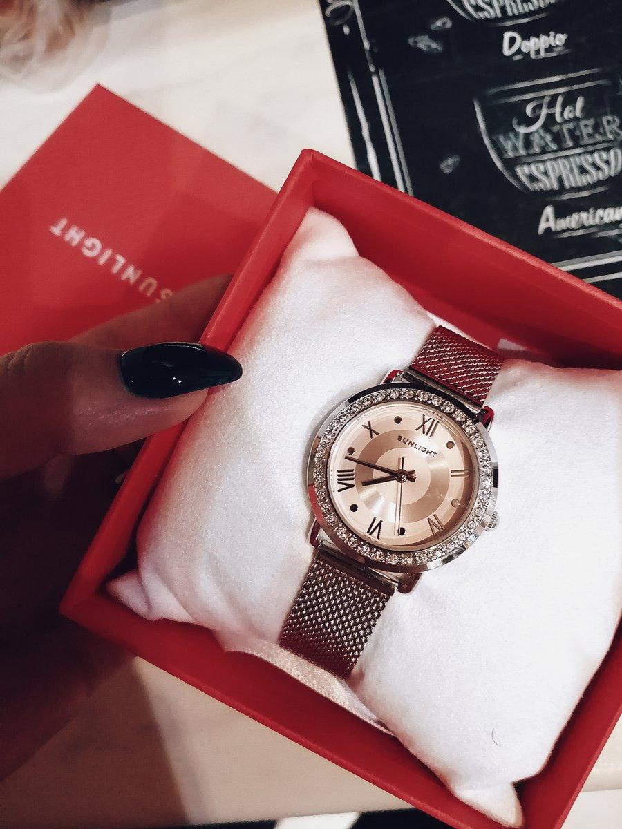 Очень хорошие часы за свою цену. очень рада, что приобрела их