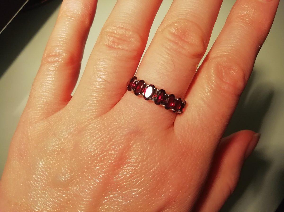 Идеальное кольцо с гранатами