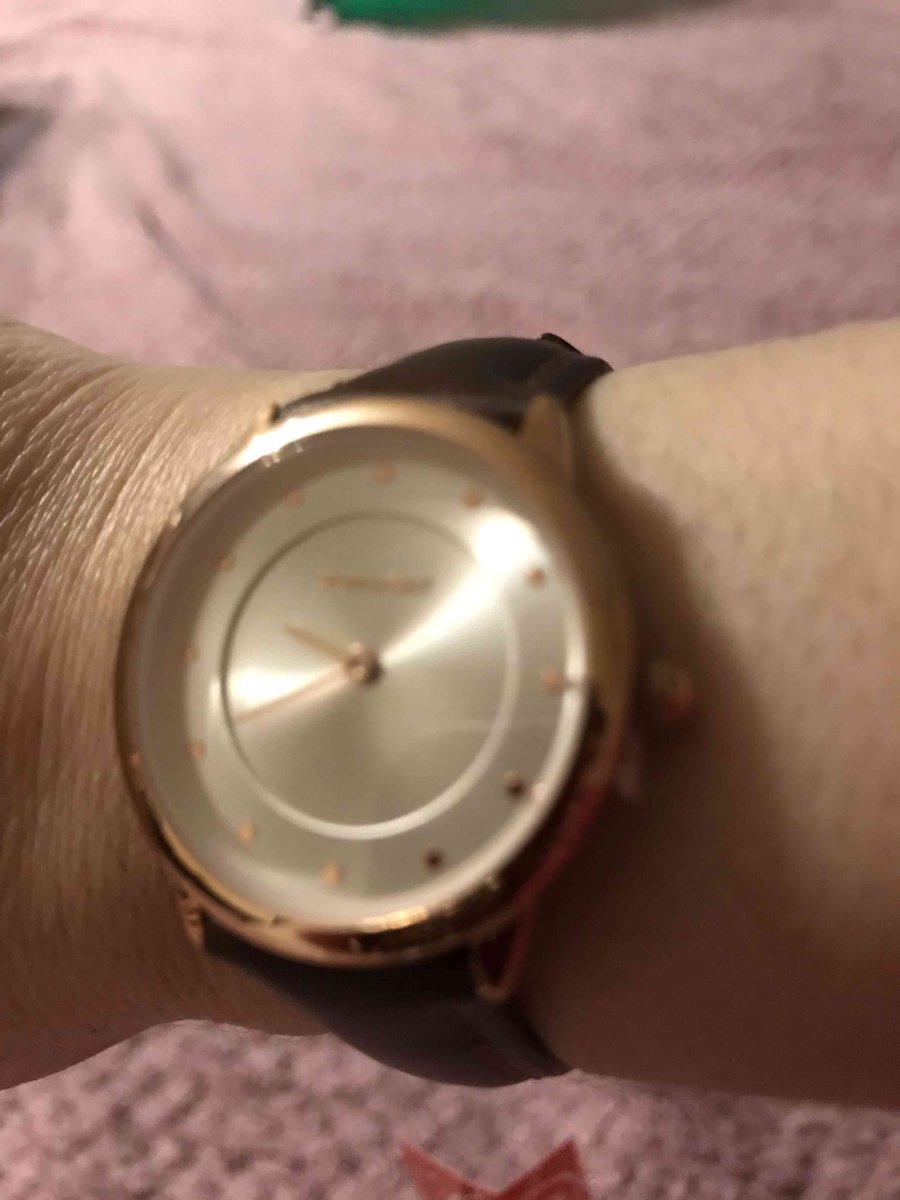 Часы очень красивые.