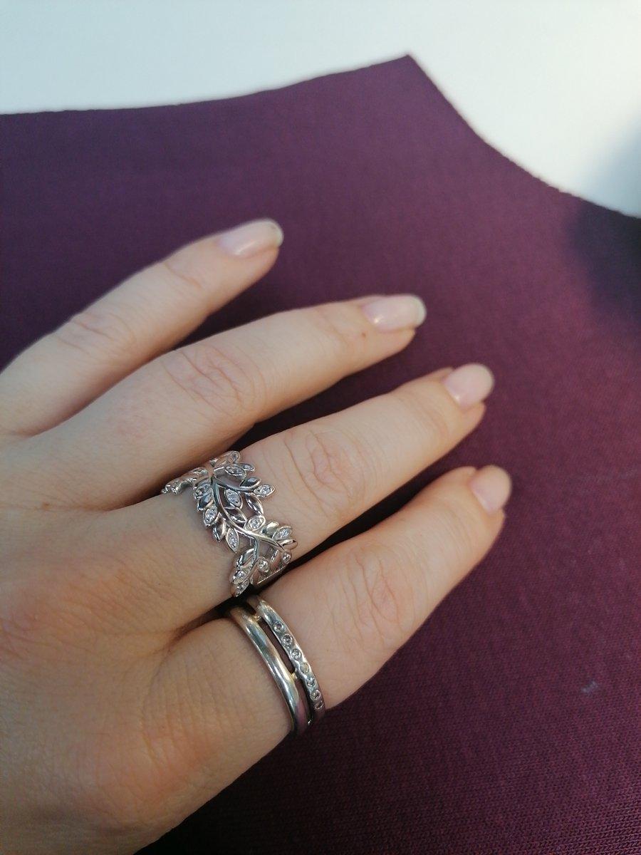 Офигенное кольцо.. просто в любилась!!!