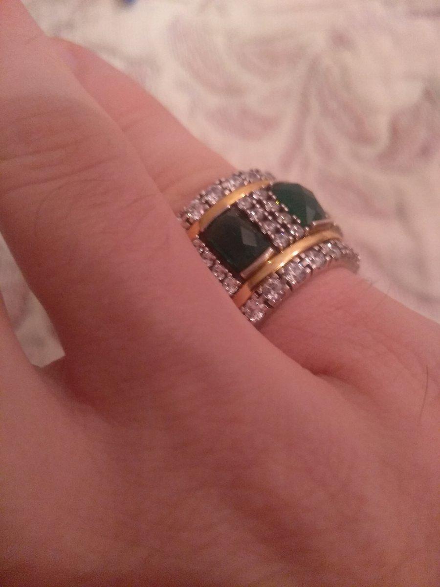 Крутое крутящееся кольцо