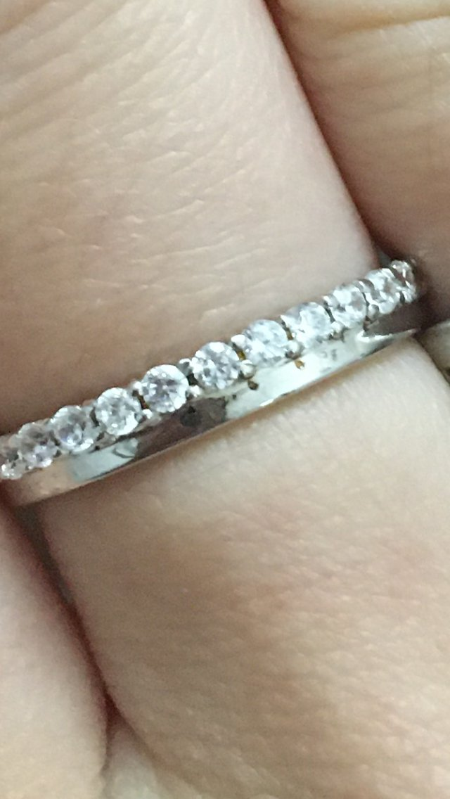 Очень красивое кольцо, влюбилась в него, но...
