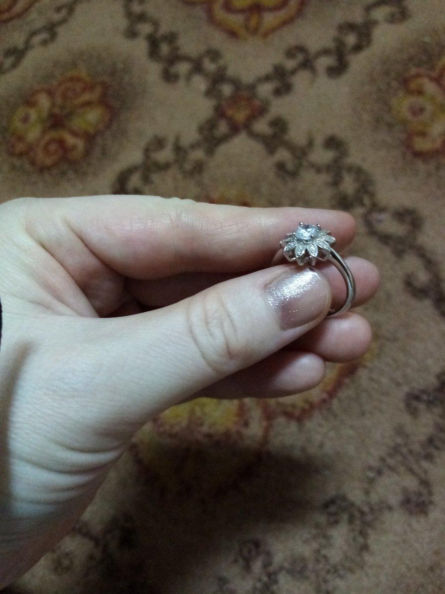 Очень довольна с покупкой.спасибо санлайт за красивую кольцо 👍