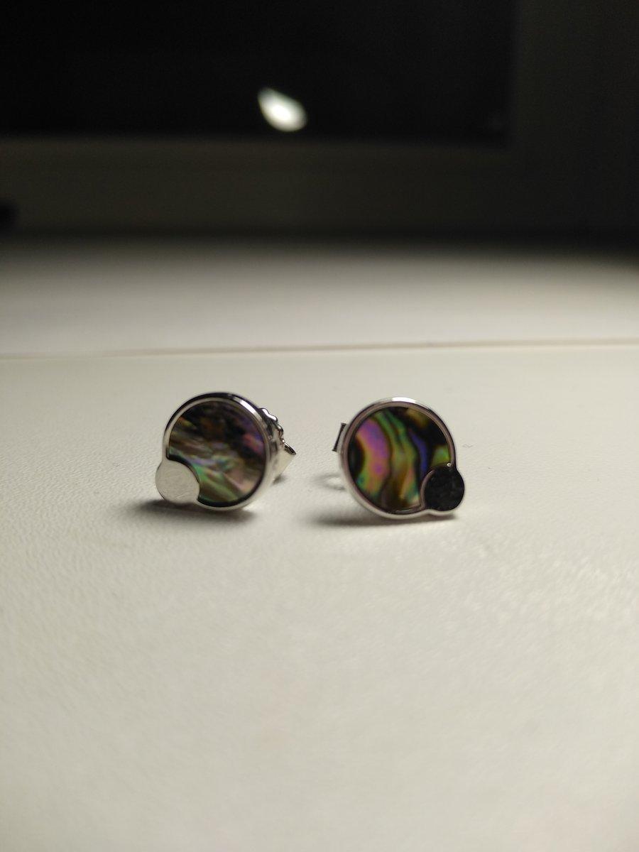 Серебряные сережки-пусеты с перламутром