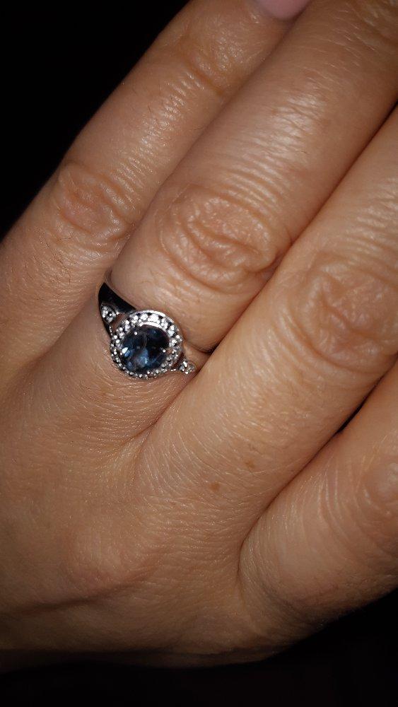 Серебрянное колечко с синим камушком