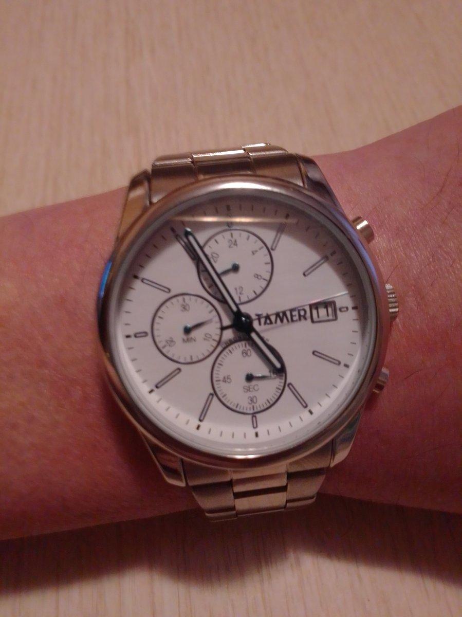 Часы наручные.