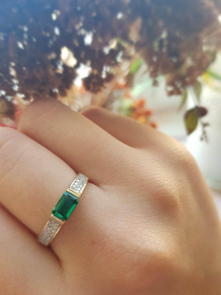 Самое красивое кольцо с изумрудом