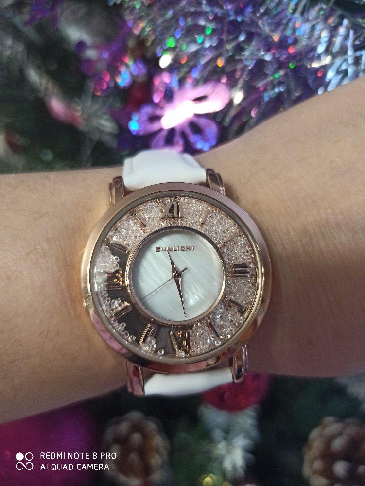 Часы просто супер!!!! выглядят женственно , блестят отличный подарок!!!!!