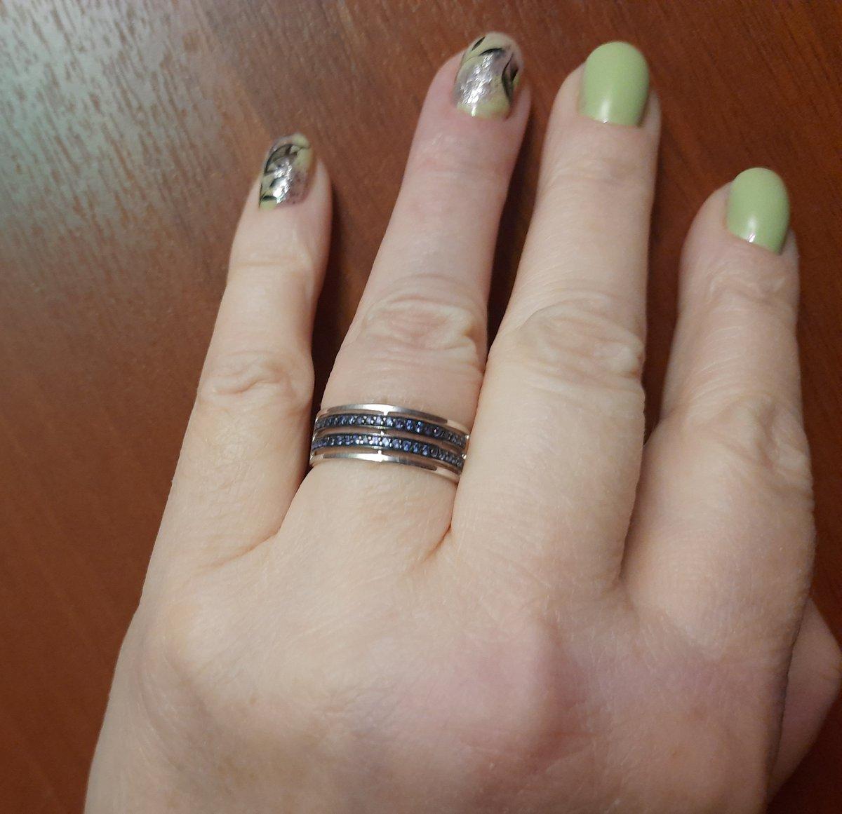 Кольцо с синими дорожками