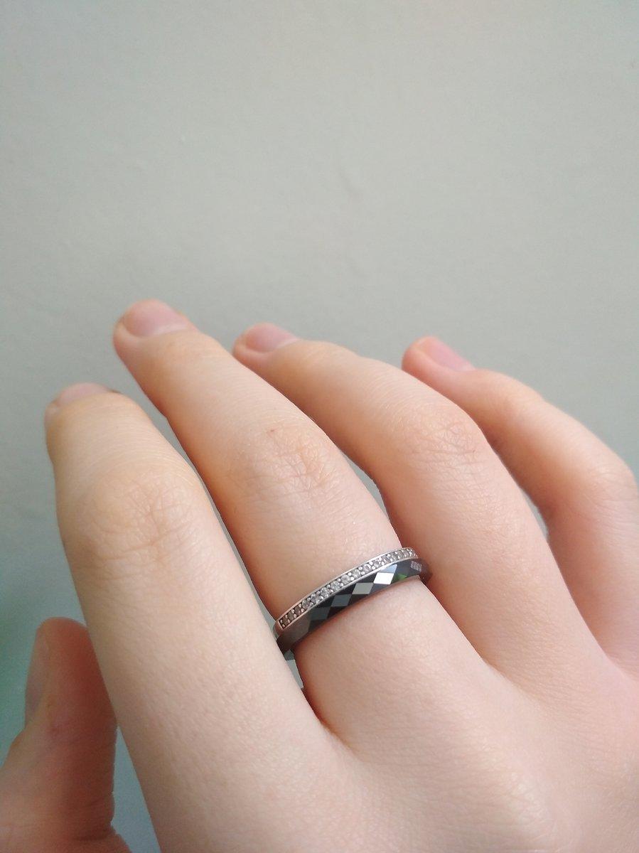 Тонкое керамическое кольцо