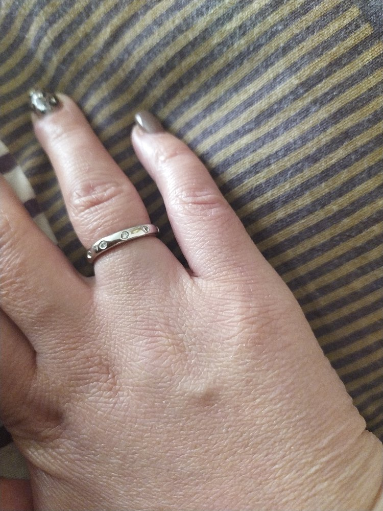 Кольцо простое, но стильное