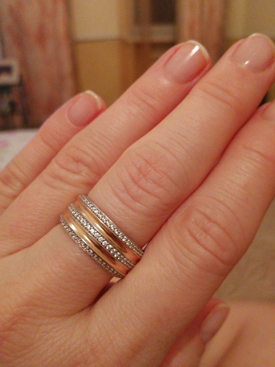 Серебряное кольцо под розовое золото с бриллиантами