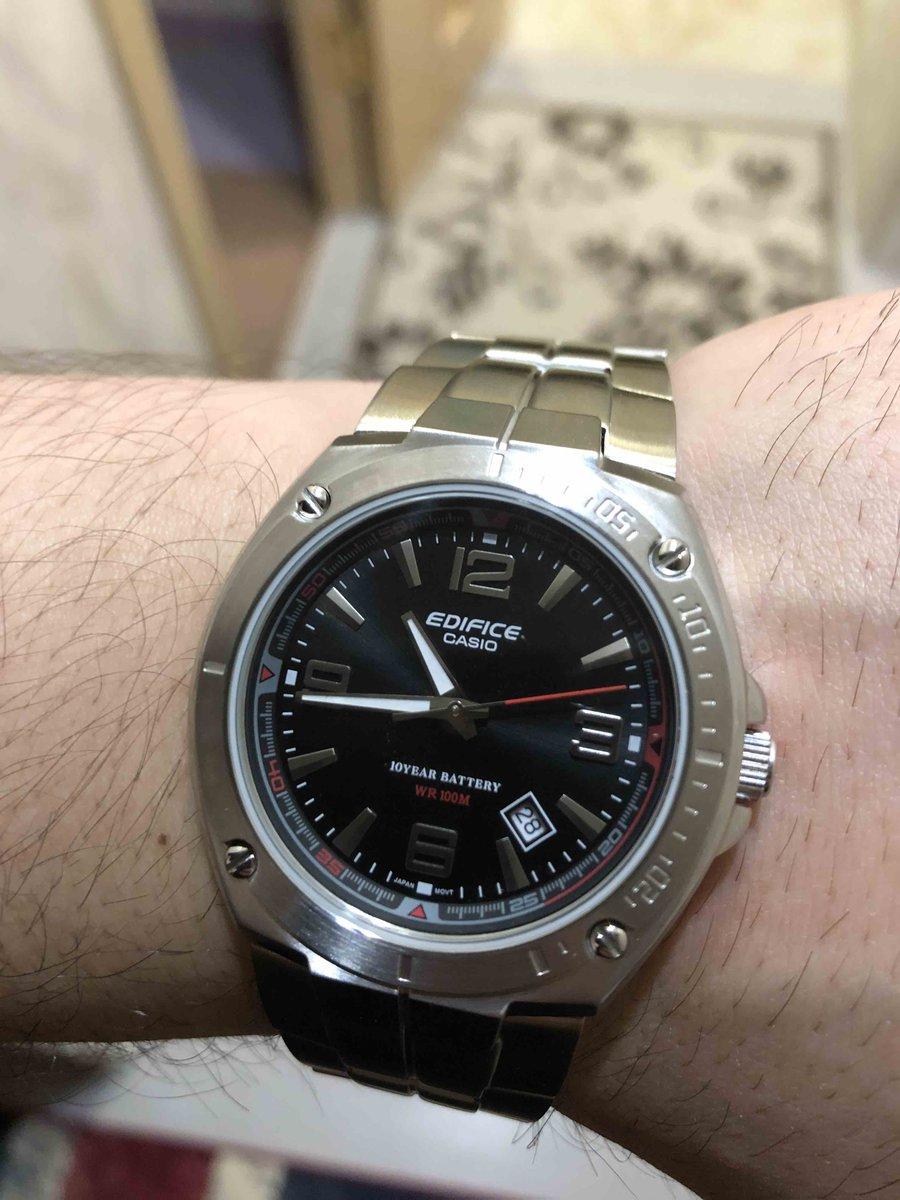 Очень классные часы . я в восторге 👍🏻