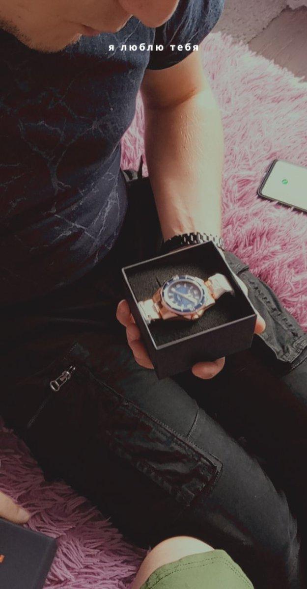 Шикарные часы муж в восторге💞спасибо онлайн магазину и быстрой доставки)